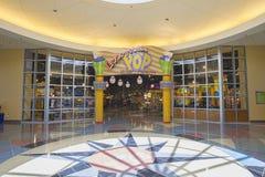 Achats et diner de station de vacances de siècle de bruit du ` s de Disney images stock