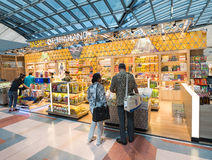 Achats hors taxe, aéroport de Suvarnabhumi, Bangkok Photographie stock libre de droits