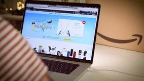 Achats principaux d'homme de jour d'Amazone Australie sur des affaires d'ordinateur portable clips vidéos