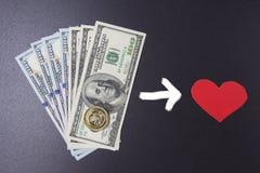 Achetez l'amour pour le concept d'argent Amour de vente Relations pour l'argent Dollars et coeur rouge sur le fond noir Images stock