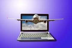 Achetez un voyage avec l'Internet Photographie stock libre de droits