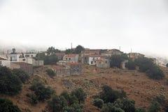 Achlada - pueblo de montaña griego, isla de Creta, Grecia Imagen de archivo