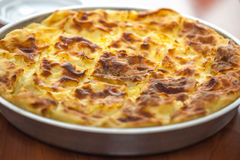 Achma, Torte mit Käse, Lasagne mit Käse, khachapuri, Georgia Lizenzfreies Stockfoto