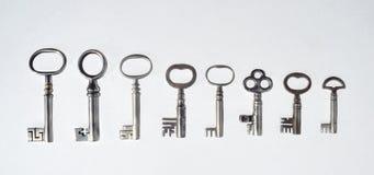 Acht antike Rohr-Schlüssel Stockfoto