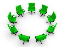 Acht Bürostühle im Kreis Stockfotos