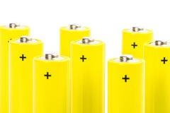 Acht gelbe alkalische Batterien Lizenzfreie Stockfotografie