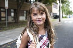 Acht Jahre alte Schulmädchen Lizenzfreie Stockbilder