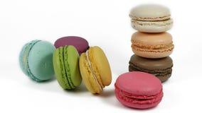 Acht macarons - acht Farben Lizenzfreie Stockbilder