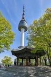 Achteckiger Pavillon in Namsan-Berg Lizenzfreie Stockfotos