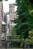 achter de Dom在城市的中心 免版税库存照片