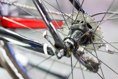Achter de fietstoestel van de wielberg royalty-vrije stock foto