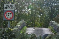 Achter de steenbrug van Humped. stock fotografie