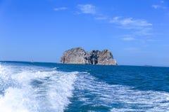 Achter het schip, de nevel van het overzees, stock fotografie