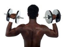 Achter mening van een jonge mannelijke bodybuilder royalty-vrije stock fotografie