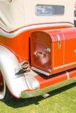 Achter oude rode auto Royalty-vrije Stock Afbeeldingen