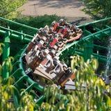 Achterbahn am größten Vergnügungspark in Italien Stockbild