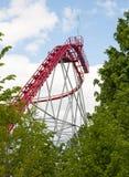 Achterbahn am Vergnügungspark Lizenzfreies Stockbild