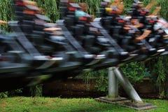 Achterbahngeschwindigkeitsunschärfe Stockfoto