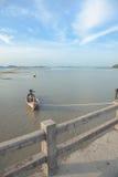 Achtergrond de bij hoogtijd van de vissersbotenzonsondergang, Phuket, Royalty-vrije Stock Afbeelding