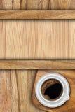 Achtergrond die van planken en koffie wordt gemaakt Stock Foto's