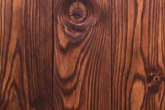 Achtergrond en textuur van decoratieve het meubilairoppervlakte van het pijnboomhout Royalty-vrije Stock Foto's
