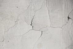 Achtergrond gebarsten textuur witte muur gebroken oud stock afbeeldingen
