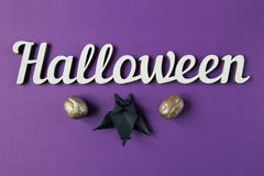 Achtergrond Halloween-decoratietekst en papercut knuppel Hoogste mening Stock Afbeelding
