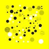 Achtergrond met cirkels, punten en punten van verschillende schaal Abstract Geometrisch patroon Zwart-wit op geel Stock Foto's