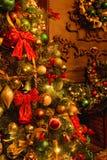 Achtergrond met de decoratie van de Kerstmisboom royalty-vrije stock afbeelding