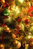 Achtergrond met de decoratie van de Kerstmisboom stock fotografie