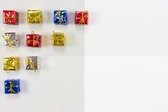Achtergrond met gekleurde pakken Royalty-vrije Stock Foto's