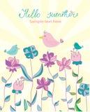 Achtergrond met heldere bloemen en vogels en het van letters voorzien Hello de zomer Royalty-vrije Stock Foto's