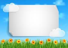 Achtergrond met hemel, wolken, gras, gerberabloemen Royalty-vrije Stock Foto's