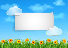 Achtergrond met hemel, wolken, gras, gerberabloemen Stock Foto's