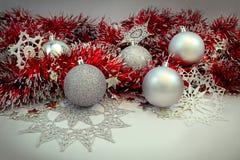 Achtergrond met Kerstmisballen Stock Foto's