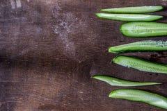 Achtergrond met komkommer Stock Afbeeldingen