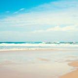 Overzees en blauwe hemel Royalty-vrije Stock Fotografie
