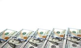 Achtergrond met rekeningen van geld de Amerikaanse honderd dollars met exemplaar binnen ruimte Kader van bankbiljettenbenamingen  Stock Fotografie