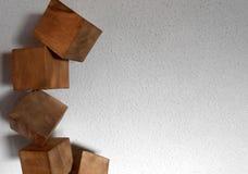 Achtergrond met verscheidene 3d kubussen van hout Stock Foto's