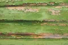 Achtergrond oude horizontale planken met resten van groene verf stock fotografie