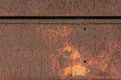 Achtergrond Twee Stukken van Geweven Rusty Metal Stock Foto