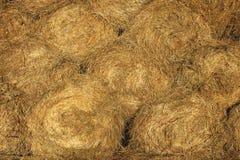 Achtergrond van balen van droog hooi royalty-vrije stock foto's