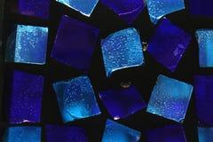 Achtergrond van blauw klein glas stock foto