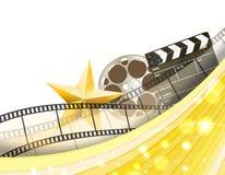 Achtergrond van de bioskoop de gouden grens met retro filmstrip, klep en ster royalty-vrije illustratie