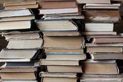 Achtergrond van de boeken Stapels oude boeken bibliotheek Royalty-vrije Stock Afbeeldingen