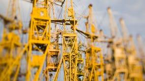 Achtergrond van de bouw van kranen Stock Afbeeldingen