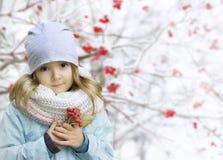 Achtergrond van de kind de openluchtwinter royalty-vrije stock afbeeldingen