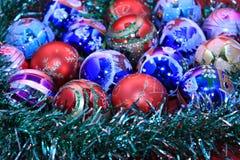 Achtergrond van de kleurrijke ballen van Kerstmis Royalty-vrije Stock Foto's