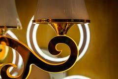 Achtergrond van de kristallen in de opslag van gloeilampen en lampen stock afbeelding