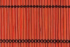 Achtergrond van de rode doek van de bamboelijst royalty-vrije stock afbeelding